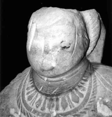 На рисунках показана женская каменная