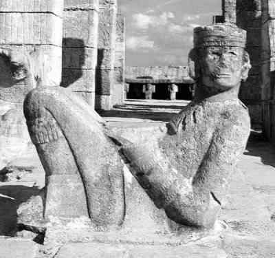 Позы скифских статуй и сохранившихся